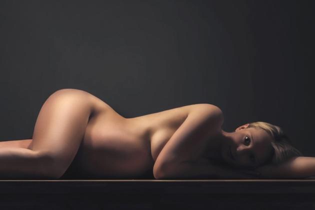 Babybauchfotografie Schwangerschaft Schwanger Fotografie nackt Akt Aktfoto