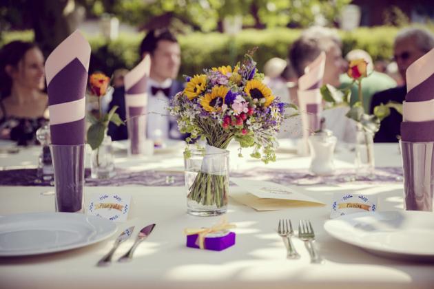 Brautstrauß Blumen Tischdeko Hochzeitsfotografie