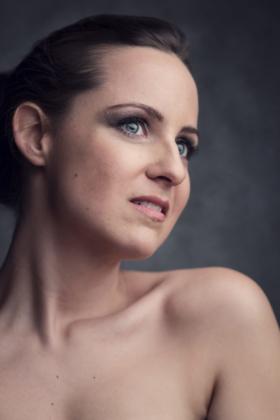 Beautyportrait Studiofotografie Haut blaue Augen