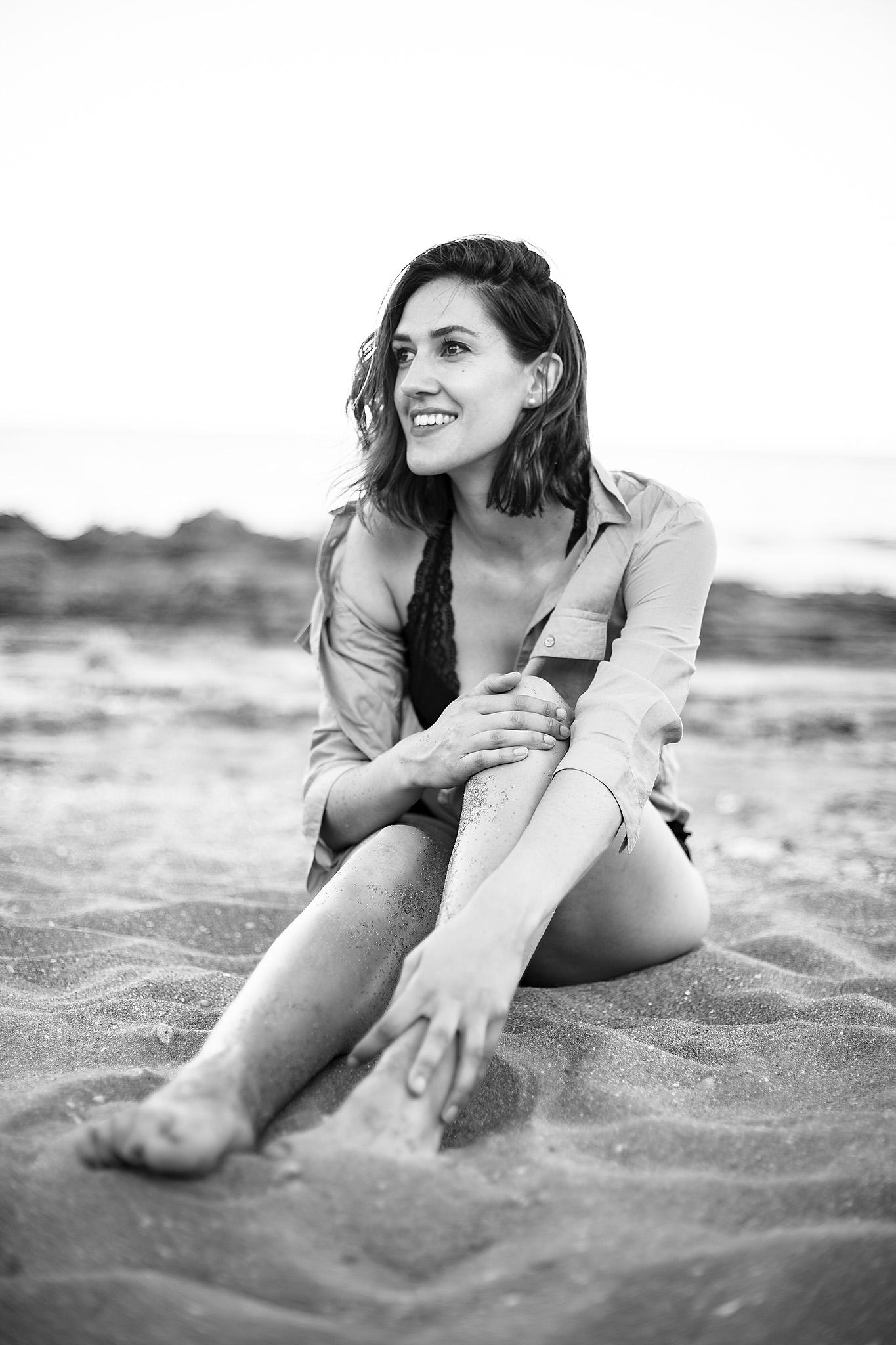 Strand Portrait Sand lachen natürlich Lifestyle Shooting